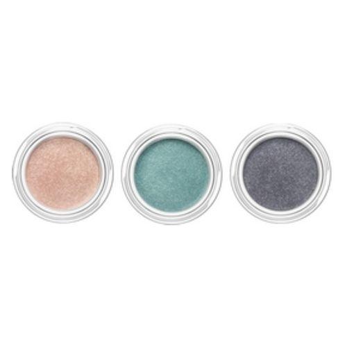 Iridescent shadow N ° 01 Aquatic Rose, N ° 02 Aquatic Green, N ° 03 Aquatic Gray