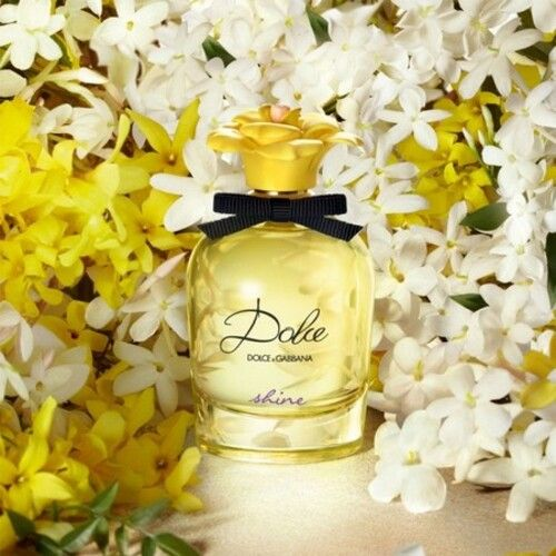Deva Cassel becomes the muse of Dolce & Gabbana, for the new perfume Dolce Shine