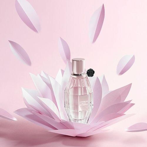 Flowerbomb Bloom's offbeat advertising
