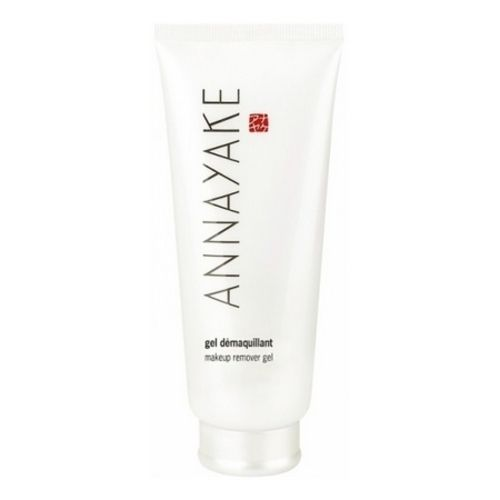 the famous Annayake Cleansing Gel, the secret to smoother skin