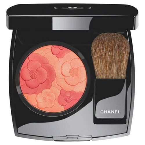 New makeup from Chanel: Camellia Peach Blush