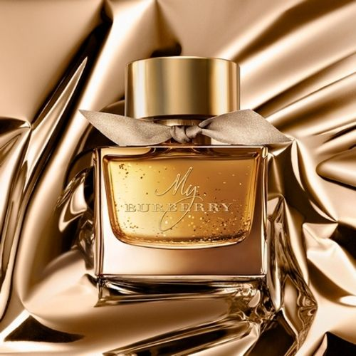 My Burberry a rain of English roses