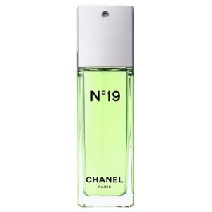 N ° 19 Eau de Toilette, the reflection of an extraordinary personality