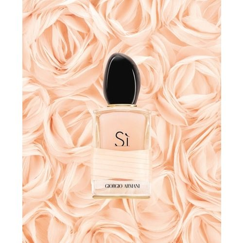 The new Si Rose Signature fragrance