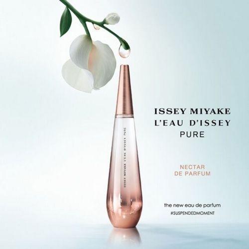 Ad of L'Eau d'Issey Pure Nectar de Parfum