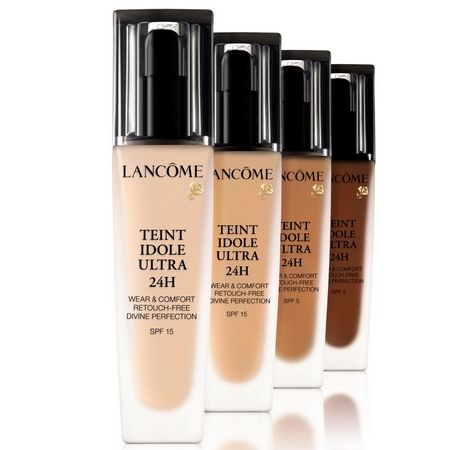 The exemplary hold of the Teint Idole Ultra 24H by Lancôme